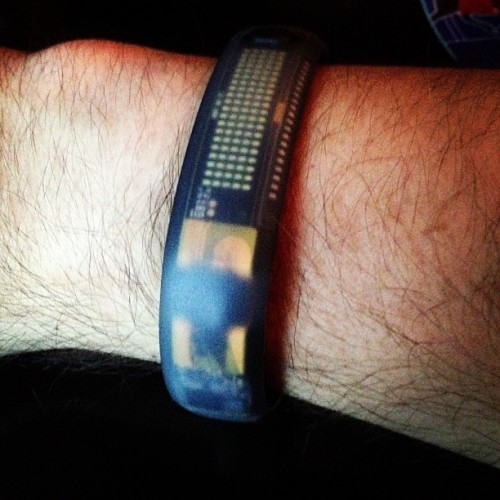 Fuelband (finally) acquired! #nike #makeitcount (at Apple Store)