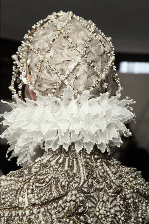pivoslyakova:  Backstage at Alexander McQueen | Fall 2013  How intricate work and wow, all these fancy details… Wish I had that much talent….