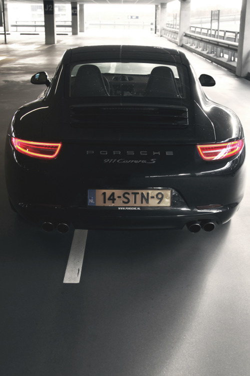 themanliness:   Porsche 911 Carrera S | Source | More