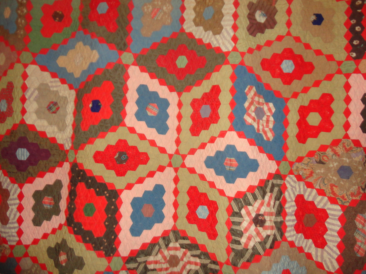 A 3D looking quilt from a show I attended last week.