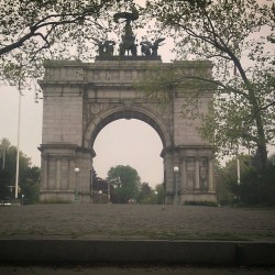 """Grand Army Plaza"" #ArcdeTriomphe #GrandArmyPlaza #Spring #Springtime #Brooklyn #abrooklynsoul #brooklynpoets #igersofbk #made_in_ny #NYC #NewYork #NewYorkCity #ProspectHeights #ProspectPark #Trees #UrbanLandscape #UrbanDwellings #explore_brooklyn #explore_community #explore_nyc  (at Grand Army Plaza Arch)"