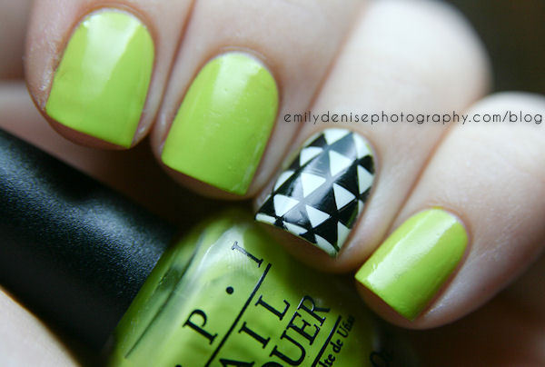nailsbyveryemily:  Geometric Nail Art. Head over to my blogpost to find out more.