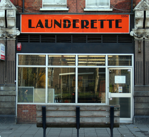 londonshopfronts:  Launderette, Holloway Road N7