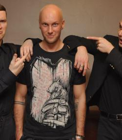 katehurts:  Maciek Rych(pl-eng translator ) with Hurts ,Warsaw 20.03 Bad trimes to fb's avatar ;/