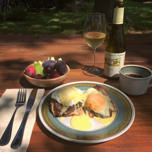 Monday brunch: poached Over The Grass Farm eggs over @creekstonefarms beef and @DCLyonBakery multigrain toast, topped with garlicky cream sauce with Meadow Creek Farm Grayson cheese. Also fresh fruits from The Plains Farmers Market, @carrborocoffee, and Domai