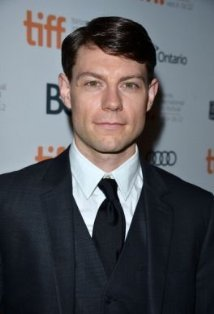 evererika:  Um….. Patrick Fugit, Two questions; When did you grow up? May I have your babies?  Whoa.