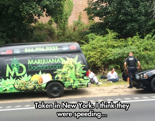 twistedlandstourguide:  funnyandhilarious:  Speeding? Yeah Right… »  That's speed traps for ya.