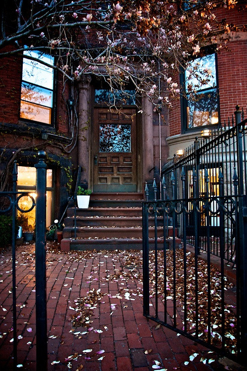 Spring Entryway, Boston, Massachusetts photo via besttravelphotos