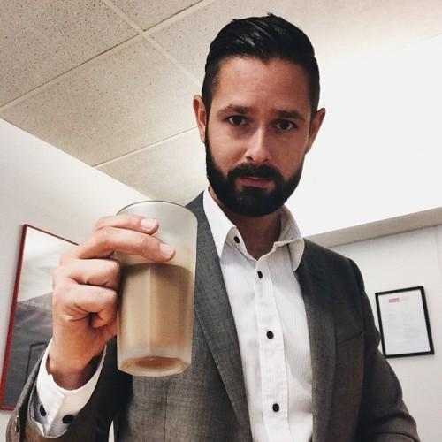 Another day. Another dollar. #selfie #business #work #coffee #goodmorning #beard (på/i Ricoh IT-Partner Karlshamn)
