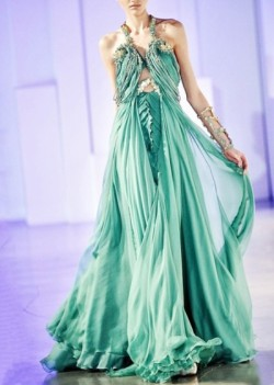 whatwouldkhaleesiwear:  What Would Khaleesi Wear?Basil Soda