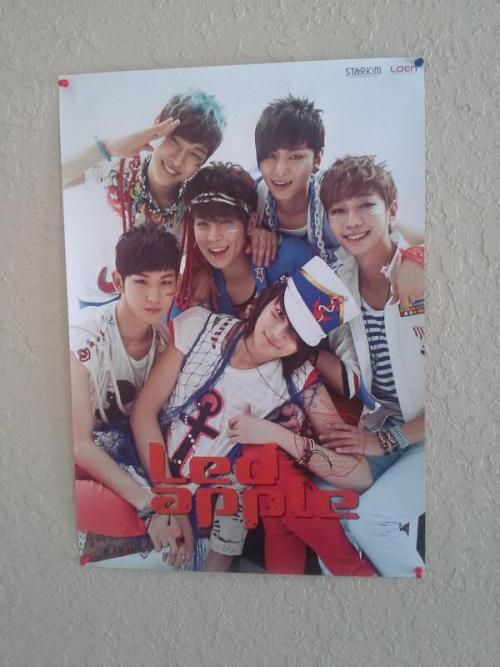 my poster came!! thank you roseane ^^