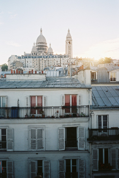 travelingcolors:  Montmartre, Paris | France (by Johnny Santo Domingo)