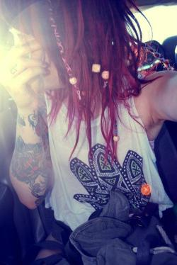 zerosympathy:  Bands, tats, girls and scenery here   # hair