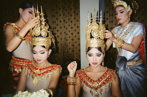 ashingtonrave:  ~ Cambodia Fashion Week, Phnom Penh