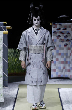 Geisha-inspired fashion.More: http://www.spoon-tamago.com/2015/06/29/thom-browne-2015-menswear-japaneses-textile-geisha/