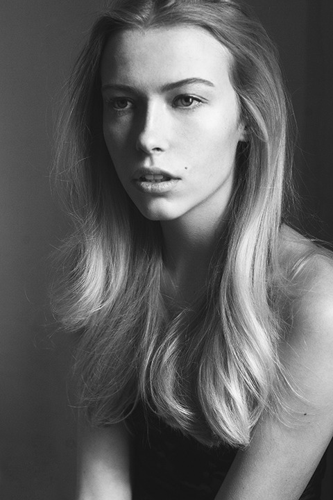 Lauren Taylor @ DNA Model Management