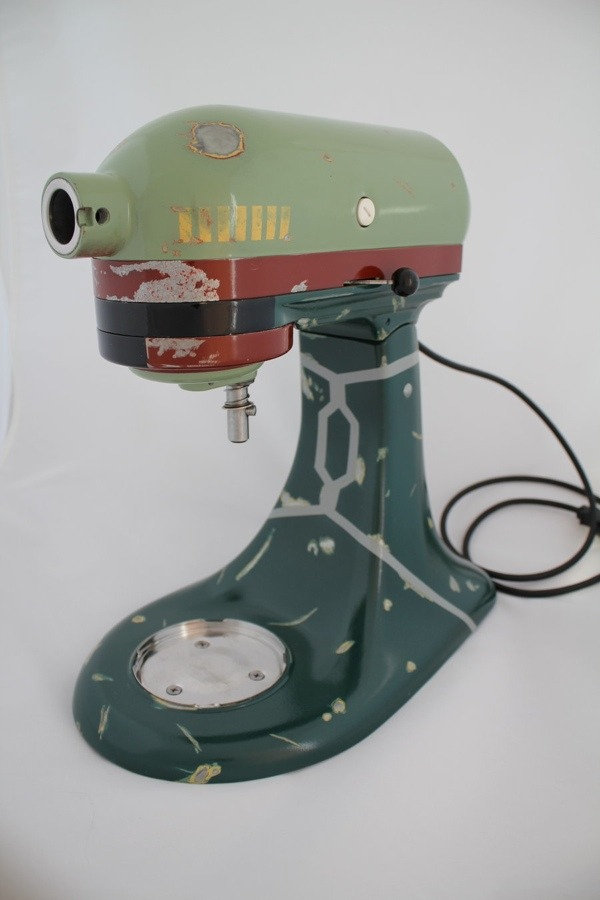 Custom Boba Fett Kitchenaid Mixer DeviantART member tommyfilth refurbished an old mixer and gave it a brand new paint job inspired by the coolest (and deadest) Bounty Hunter in the galaxy. My girl has two Kitchenaids. You think she'll mind if I turn one of them into Boba Fett? Follow Albotas on Twitter | Like Albotas on Facebook