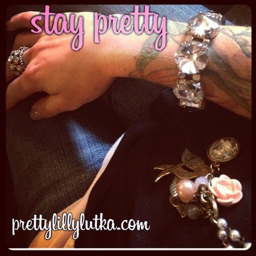 #fashion #mystyle #style #stylist #pretty #prettylillylutka #jewelry #accessories #jeans #black #white #pink #blonde #vintage #rose #diamonds #necklace #bracelet #girl #girly #outfit #ootd #staypretty