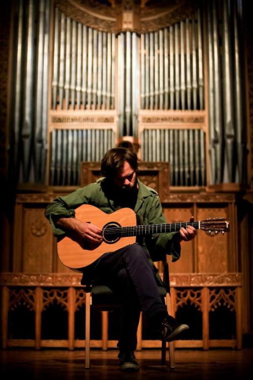 Watch, listen, download the Neil Halstead Chapel Session to HERE.