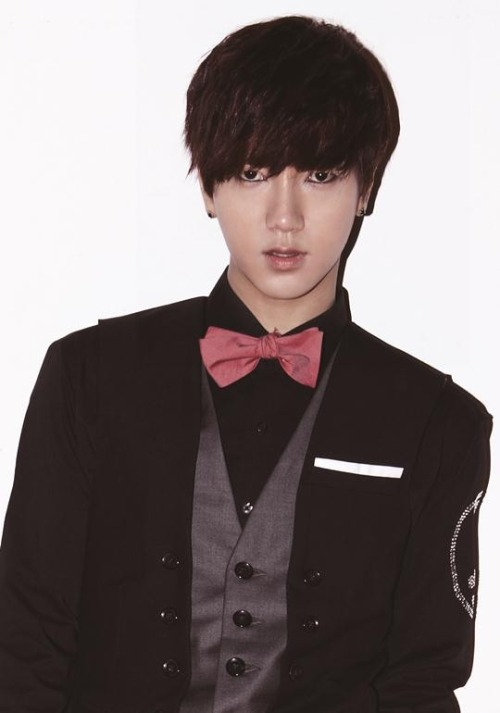"y3sung:    The date has been set. Yesung will be enlisting next month on the 6th. The Super Junior member had already clued his fans in at the group's previous 'Super Show 5' concert, saying, ""I was a trainee for 5 years, and I was with fans as a Super Junior member for 8 years. I am thankful for all the love. I'd forgotten how precious it was to sing on stage. I realized only now how much it means. While I'm not here, please take care of the Super Junior members. Please don't forget about me,"" while revealing that his enlistment was coming up this year. The inevitable has now come with SM Entertainment announcing the confirmed enlistment date through an official press release. Yesung will be enlisting on the 6th to enter his basic military training for 4 weeks, and then will carry out the remainder of the 23 months as a public service officer after that. He'll still be carrying out many of his schedules until the date while he also spends some personal time, but he will unfortunately be missing out on the South American 'Super Show 5′ concerts that will be kicking off later this month starting in Brazil, due to policies that prevent him from traveling abroad for long periods of time before enlistment. The agency has also revealed that Yesung wishes to enlist quietly, and thus, there will not be a big sending-off event that will be held officially at the base on the 6th.   okay.. I am calm. I am okay, I am prepared.  .. seriously I am"
