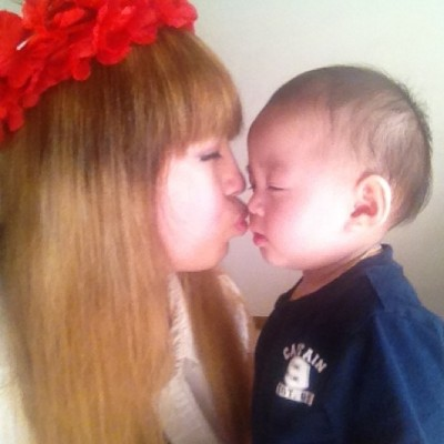 Look at this kid!!! All into this kiss!!! Lol