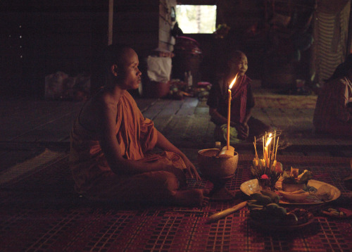 MONK BEFORE PURIFICATION / ANGKOR © JPDOMINGUE