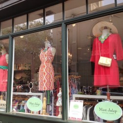 Another beauitful window in Harvard Square! @shopshoshanna @bysmith @nanettelepore (at Mint Julep)