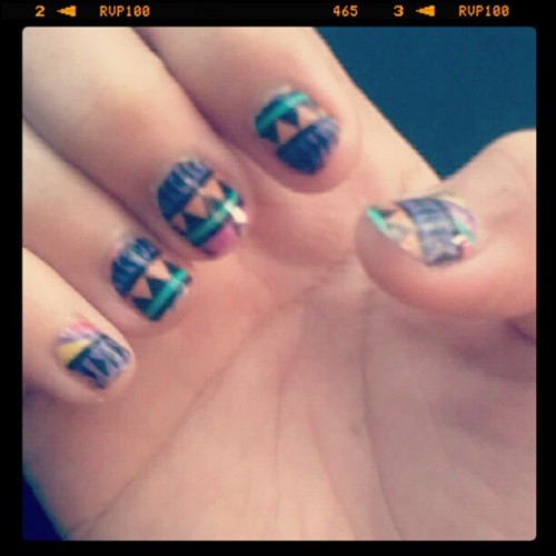 Aztec nails for New year :'>