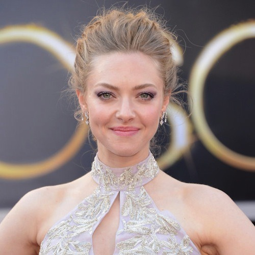 How to Get Amanda Seyfried's Purple Smoky Eye Featuring Celebrity Makeup Artist Ana Marie Birchbox staffers fell head over heels in love with Amanda Seyfried's makeup at this weekend's Oscars Award show. It's romantic, it's dramatic, and we can't stop staring. Earlier this month we were also wowed by the purple-blue jewel tone eyes on the models at Jason Wu and Thakoon's shows at New York Fashion Week. Inspired by the models on the runway, we enlisted celebrity makeup artist Ana Marie to give us a step-by-step tutorial on a more wearable version of the jewel tone eye using Lancôme products.  Watch below for the tutorial, which just happens to look like a slightly more dramatic version of Amanda Seyfried's eye look at Sunday's show!   —Charisse Check out the products used in this video in the Birchbox shop, for a limited time only. (Photo: Getty Images)