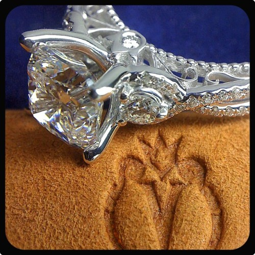 This custom Insignia 7045 is a clear evidence of the Verragio symbol of quality and originality. What do you think?