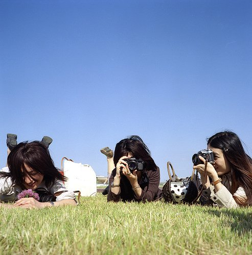 mcsgsym:  THREE GIRL's SHOT !!  (via shin*)(via rahen)