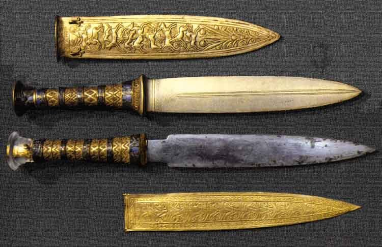 armsandarmor:  Tutankhamun's iron and Bronze Knives