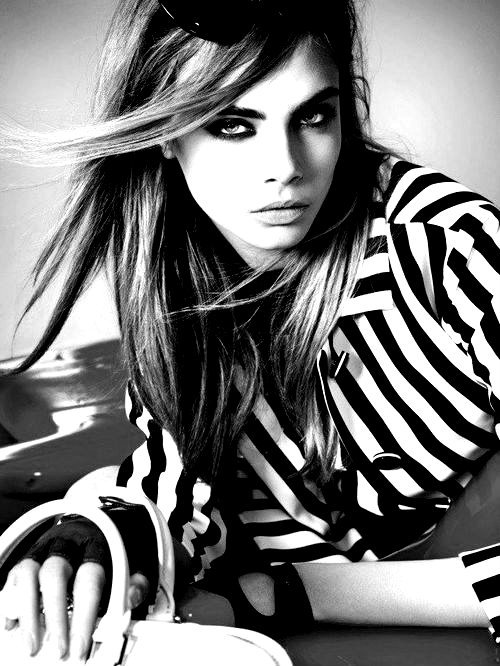 shadeees-of-white:  Cara Delevingne