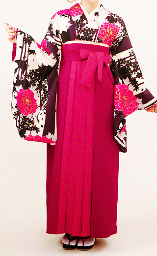 Hakama (袴) that usually worn by woman at graduation ceremony
