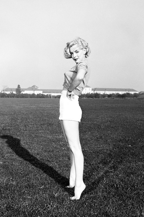 vintagegal:  Marilyn Monroe, 1951