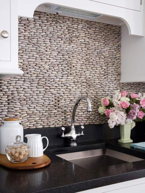 homedesigning:  (via 50 Kitchen Backsplash Ideas)