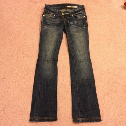 I just added this to my closet on Poshmark: DKNY jeans!. (http://bit.ly/16Jev0h) #poshmark #fashion #shopping #shopmycloset
