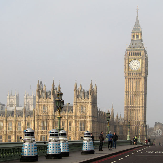 Daleks cross Westminster Bridge to attack Parliament in London during filming of new Doctor Who episodes in London on Sunday morning.  (Photo: Flynet via The Telegraph)