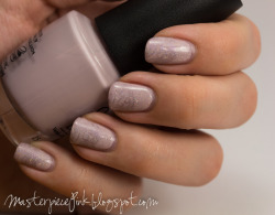 Sweet bridal nails O.P.I - Steady As She Rose A-England - Princess Tears (stamping color) China Glaze - Fairy Dust (holographic top coat) Swirly image from Gals stamping plate GA30 (from Fairy set).
