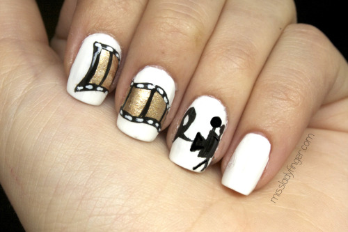 GET THE LOOK: Zooey Deschanel's Film Strip Nails Here it is! My How-To to get Zooey's Golden Globe film strip Ladyfingers… here.