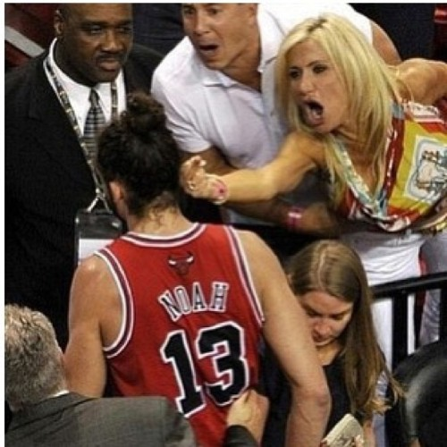 A heat fan just violated Joakim Noah Tonight !!! #Heat #Bulls