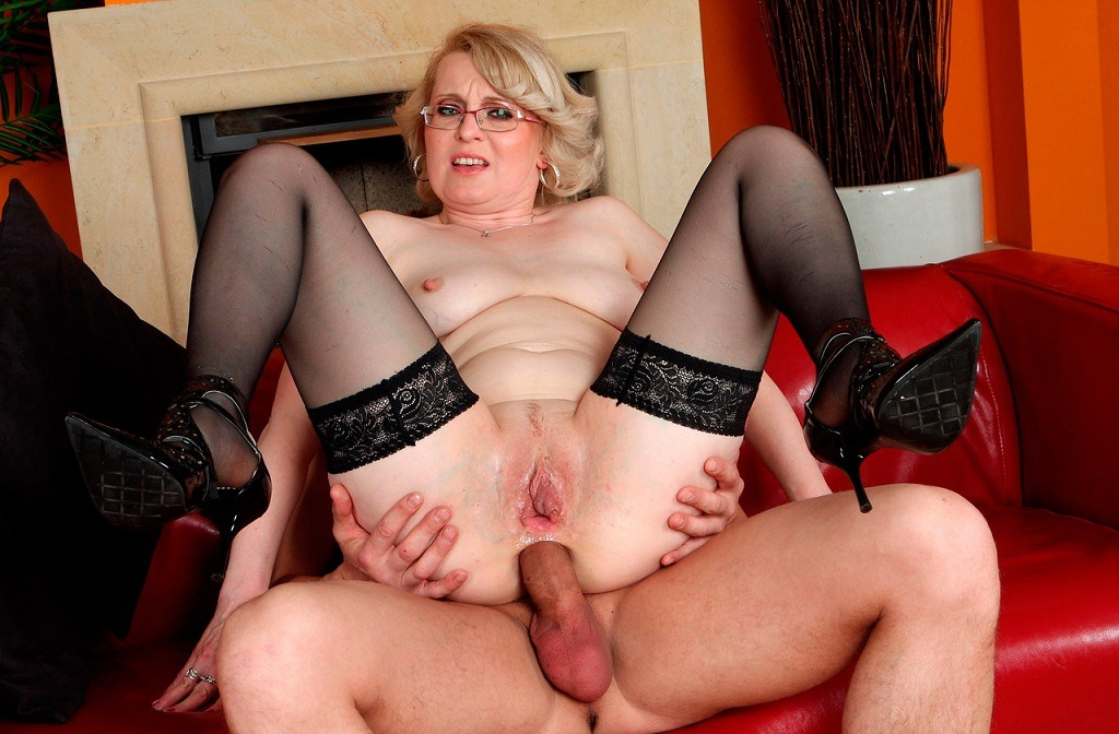 mature anal milf photo № 339104