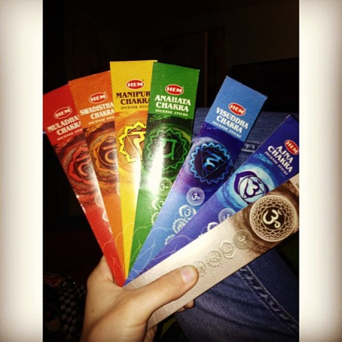 squigglyadventures:  The cutest incense sticks evaaa 😊🌀#chakra #incense #smellgoodbitcheswilllloveme