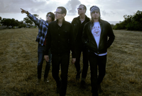 themusicuni:  Linkin Park singer Chester Bennington joins Stone Temple Pilots three months after firing Scott Weiland View Post