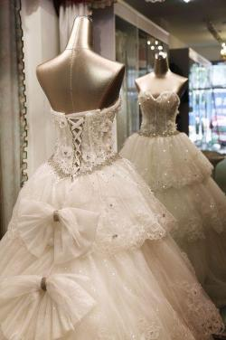 tbdress-club:  Wanna know the hottest beading wedding dresses trends for 2013?? Check out this post for the best inspiration!! TBdresshttp://bit.ly/ZjLJ34