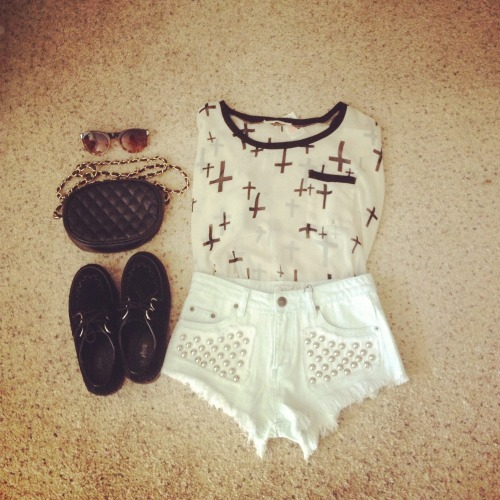 fashionoverhype:  Crosses and studs. Http://ppeebee.tumblr.com