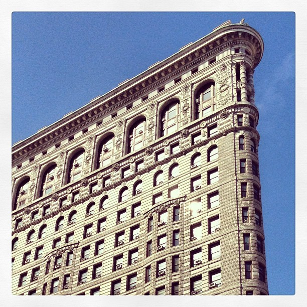 Obligatory picture of the flatiron as an architect #flatiron #nyc #ny #madisonsqaurepark (at Flatiron Building)
