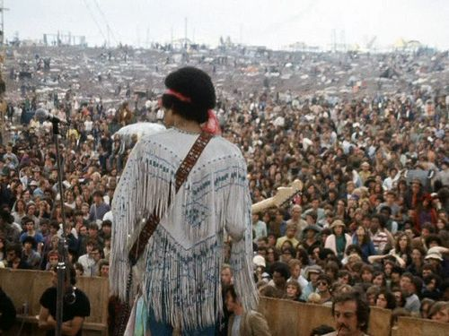 the60sbazaar:  Jimi Hendrix at Woodstock