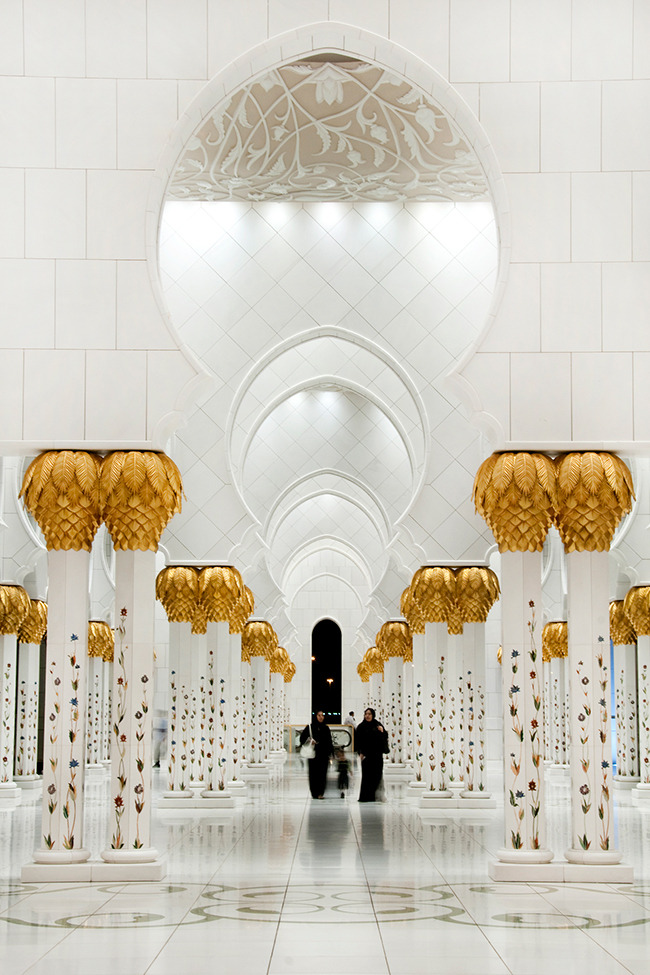 Photo of the Day: Sightseeing in Abu Dhabi Photo by: Christopher Johnson (Dubai, United Arab Emirates); Abu Dhabi