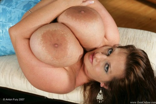 msmariamoore:  #boobs to brighten your morning!
